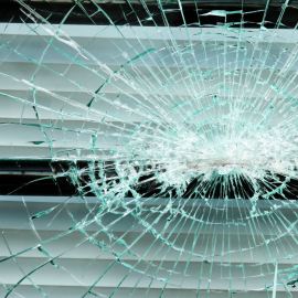 When Should You Call a Commercial Glass Service?
